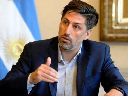 EL MINISTRO TROTTA ANUNCIÓ EL INICIO DE LA VACUNACIÓN PARA DOCENTES