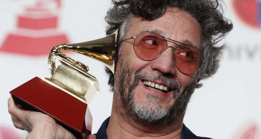 FITO PAEZ GANO UN GRAMMY AL MEJOR ÁLBUM ROCK ALTERNATIVO