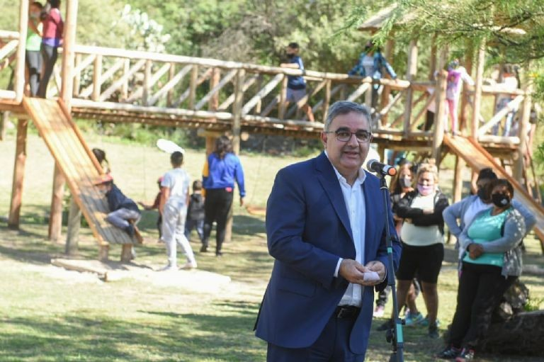 EL GOBERNADOR RAUL JALIL PROMETIO MAS OBRAS PARA CATAMARCA