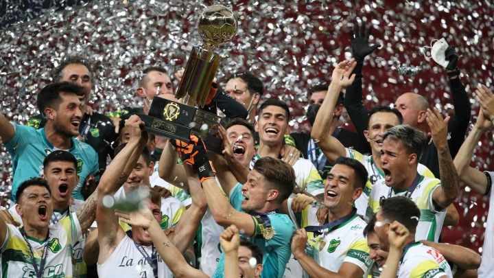 DEFENSA Y JUSTICIA CAMPEON DE LA RECOPA