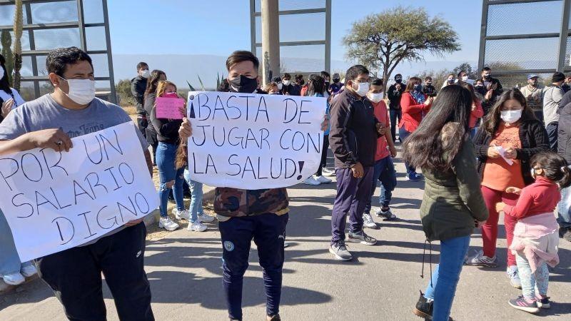CONTINÚAN LAS PROTESTAS EN EL MALBRAN