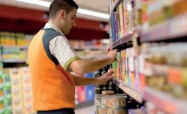 Acordaron bono para empleados de supermercados