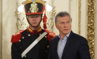 Macri firmó el decreto con el bono compensador a los jubilados