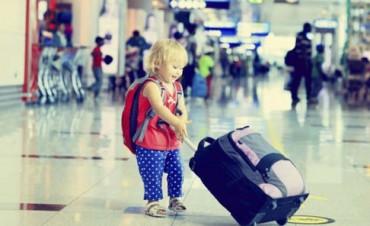 Paso a paso: qué trámites se deben hacer para viajar con menores al exterior